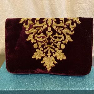 SHIRALEAH Chicago-Maroon embroidered velvet clutch
